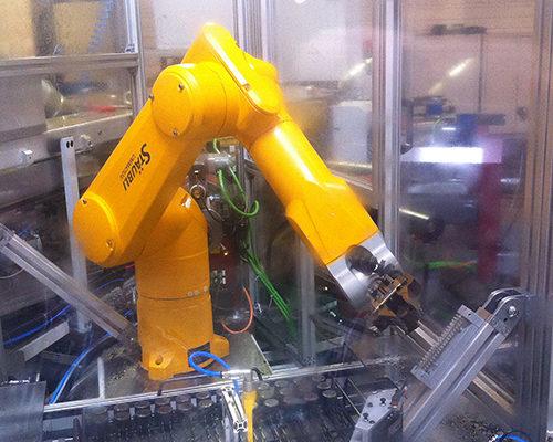 Machine d'assemblage dédié suivant les besoins clients